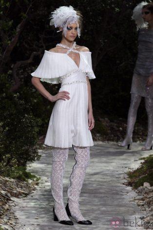 34308_vestido-plisado-coleccion-primavera-verano-2013-chanel-semana-alta-costura-paris