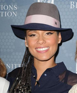 Alicia-Keyss-2014-Social-Good-Summit-Maison-Michel-Gray-Grey-and-Navy-Blue-Andre-Felt-Hat ALICIA KEYS