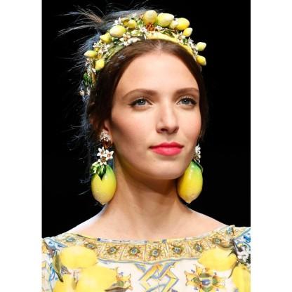 tendencias-cabello-primavera-2016-accesorios-capilares-dolce-gabbana-699x699