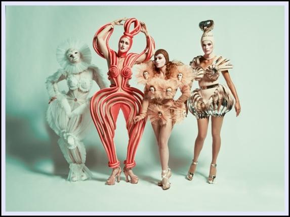 Fashion_Freak_Show_Jean_Paul_Gaultier_Folies_Bergere_Anallasa_01