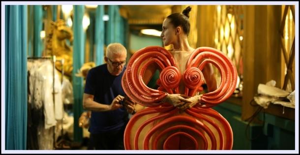 Fashion_Freak_Show_Jean_Paul_Gaultier_Folies_Bergere_Anallasa_03