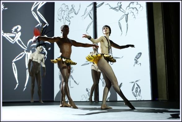 Fashion_Freak_Show_Jean_Paul_Gaultier_Folies_Bergere_Anallasa_09